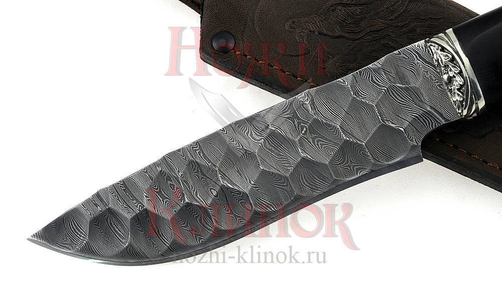 Нож Волк (дамаск, камень, чёрный граб под пальцы)